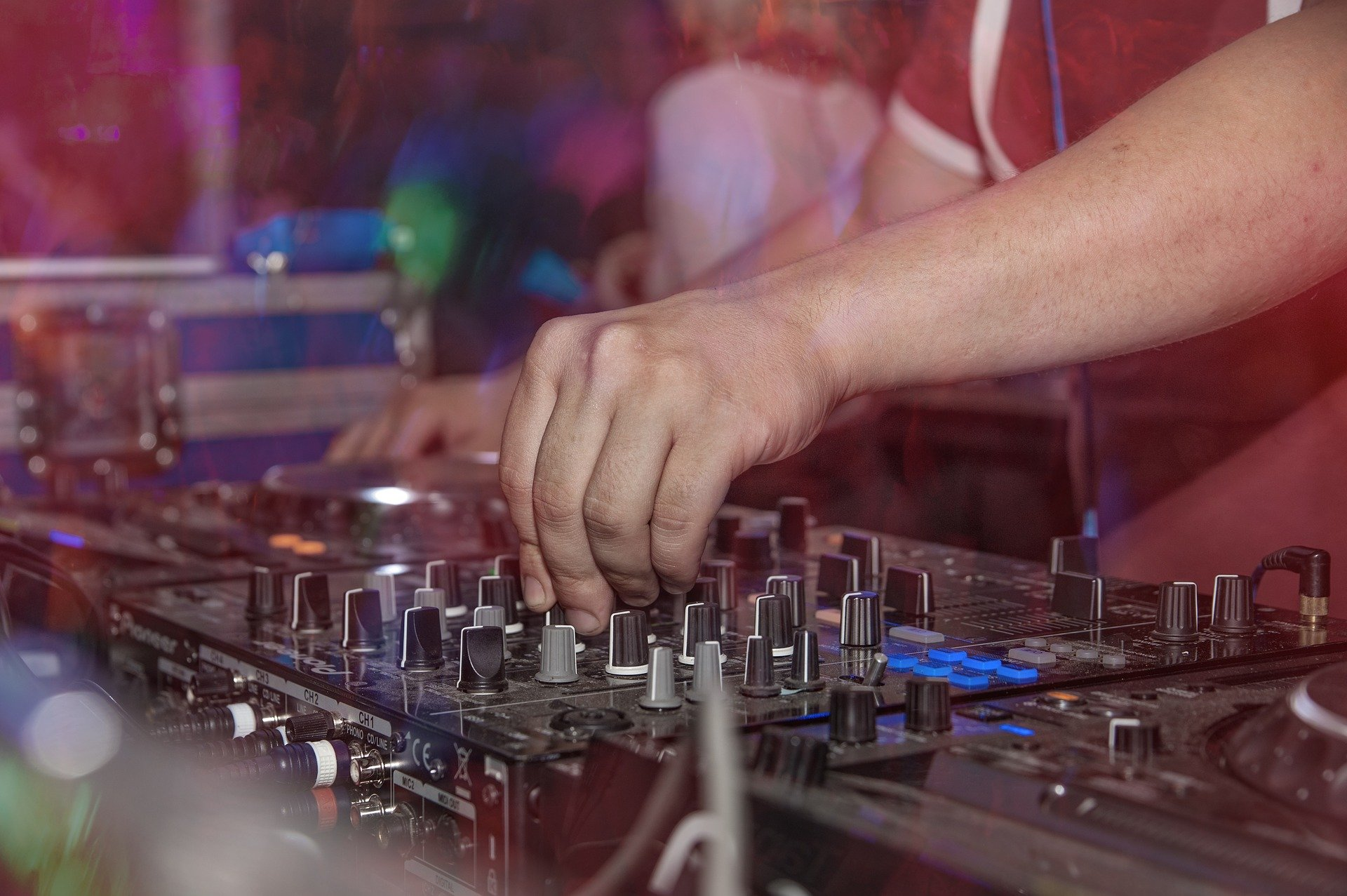 Top 5 DJ Equipment You Need to Have